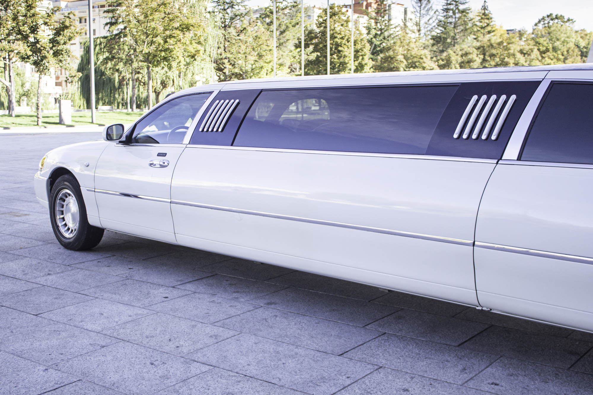 How to Rent a Limo for Your Special Occasion