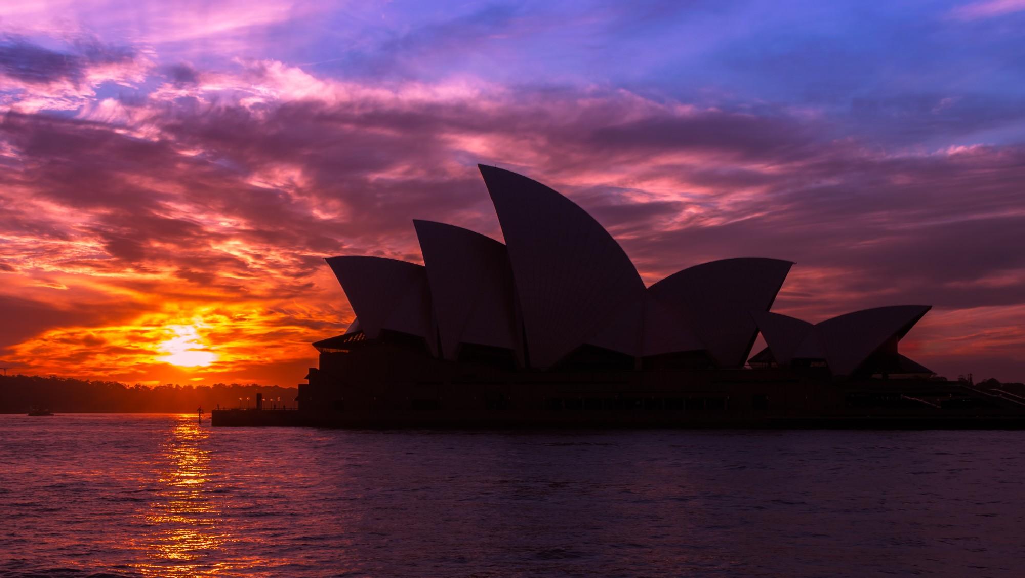 Sidney opera house at sunset
